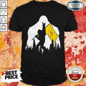 Nice Bigfoot Rock N Roll New Mexico Flag In The Forest Shirt
