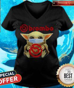 Awesome Baby Yoda Hug Brembo V-neck