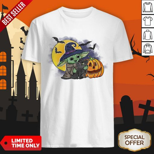 Baby Yoda Hug Cat Halloween Shirt
