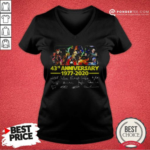 Star Wars 43rd Anniversary 1977 2020 Characters Signatures V-neck - Desisn By Reallovetees.com