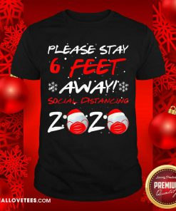 Please Stay 6 Feet Golf In Mask Social Distancing 2020 Wear Mask Shirt - Design By Reallovetees.com
