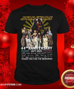 Start Wars 44th Anniversary 1977 2021 Signatures Thank You For The Memories Shirt - Design By Reallovetees.com